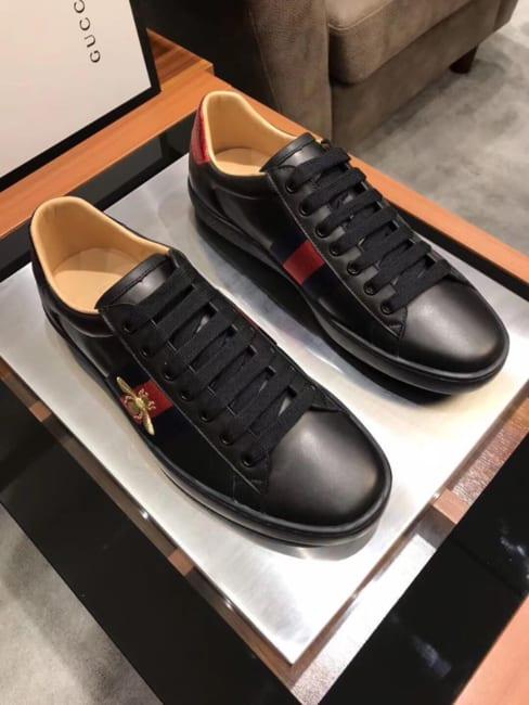 Giày Gucci ong like au màu đen GNGC11