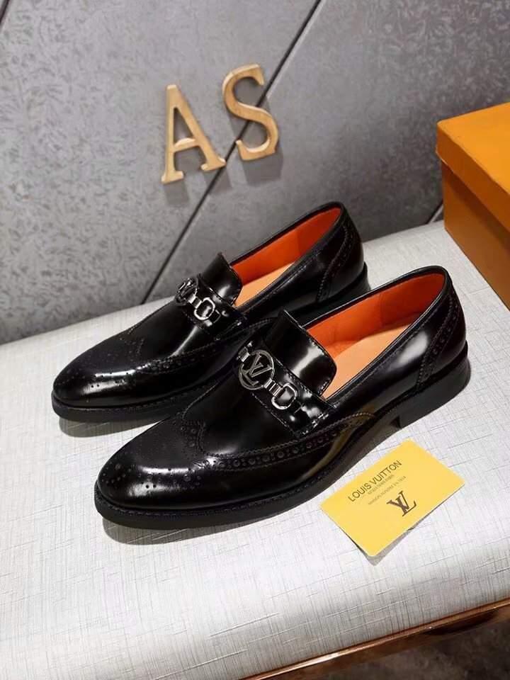 giá của giày Louis Vuitton nam chính hãng