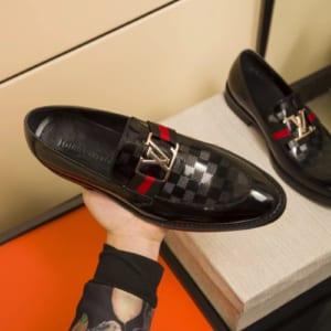 Giày lười Louis Vuitton siêu cấp họa tiết bàn cờ màu đen