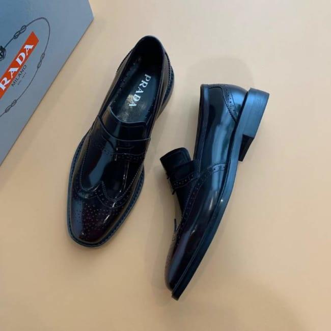 Giày lười Prada siêu cấp màu nâu đen