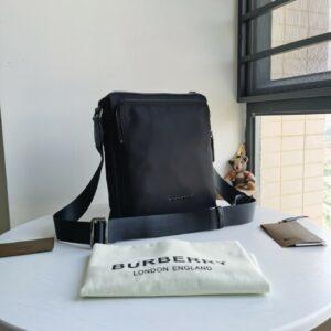 Túi đeo chéo Burberry siêu cấp full đen TDCB05