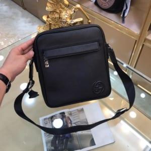 Túi đeo chéo Gucci siêu cấp đen da trơn