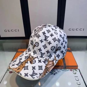 Mũ nam Louis Vuitton siêu cấp trắng họa tiết hươu