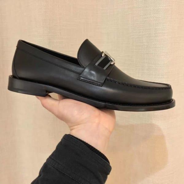 Giày lười Louis Vuitton like au họa tiết tag vải GLLV26