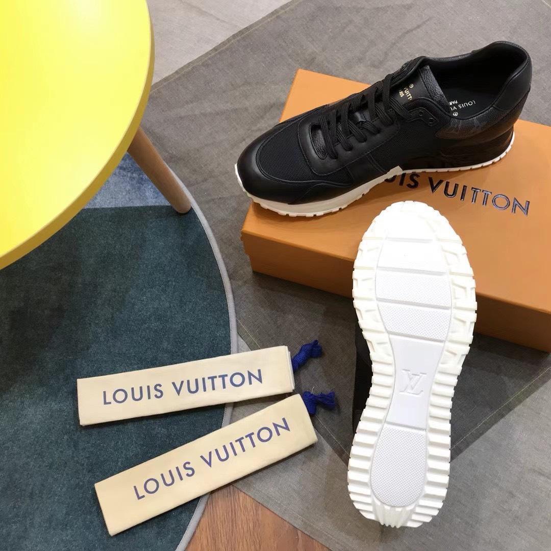 Giày nam Louis Vuitton siêu cấp họa tiết viền cổ hoa đen GNLV11