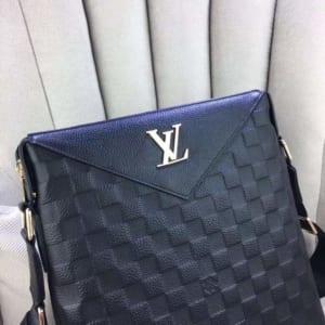 Túi đeo chéo Louis Vuitton siêu cấp da dập caro