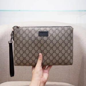 Ví nam Gucci siêu cấp cầm tay trắng họa tiết logo