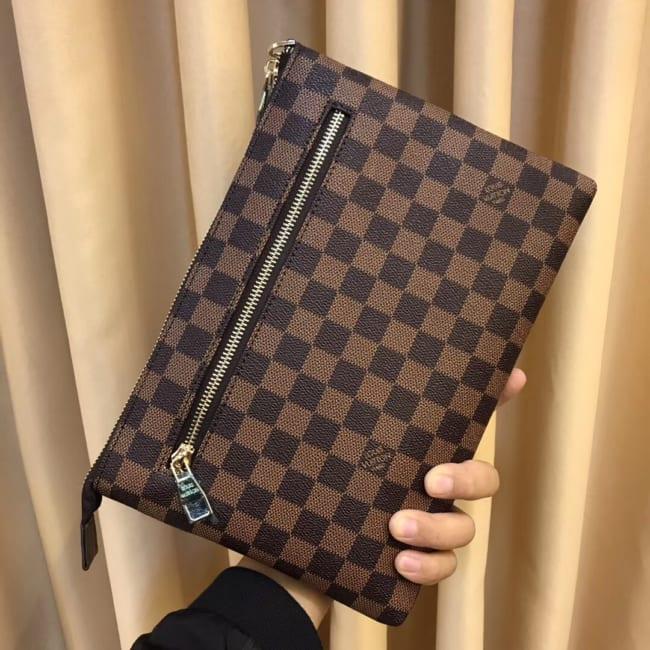 Ví nam Louis Vuitton siêu cấp cầm tay họa tiết kẻ caro nâu