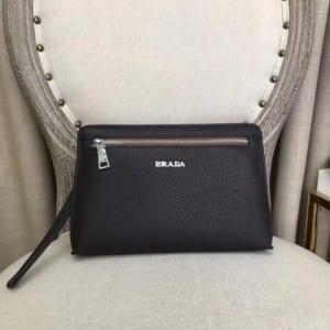 Ví nam Prada siêu cấp cầm tay họa tiết da sần màu đen