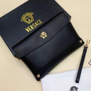 Ví nam VersVí nam Versace siêu cấp cầm tay da nhăn họa tiết logo VNVS01ace cầm tay da nhăn họa tiết logo VNVS01