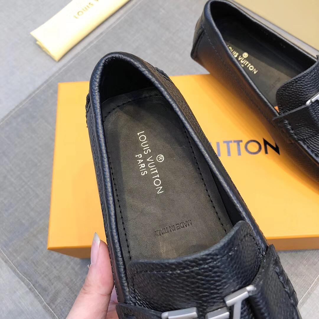 Giày lười Louis Vuitton siêu cấp da nhăn họa tiết logo bạc