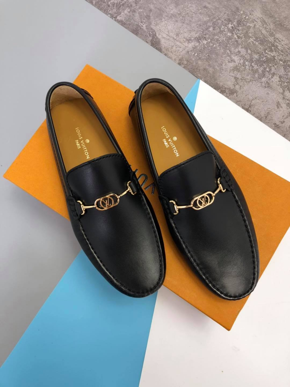 Giày lười Louis Vuitton siêu cấp mặt vàng GLLV58