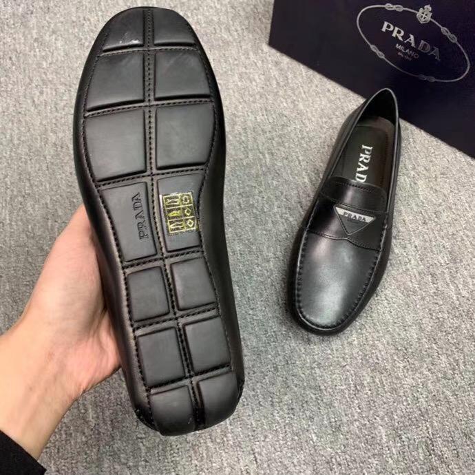 Giày lười Prada da trơn họa tiết logo tam giác GLP35