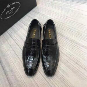 Giày lười Prada đế cao vân da cá sấu màu đen GLP32