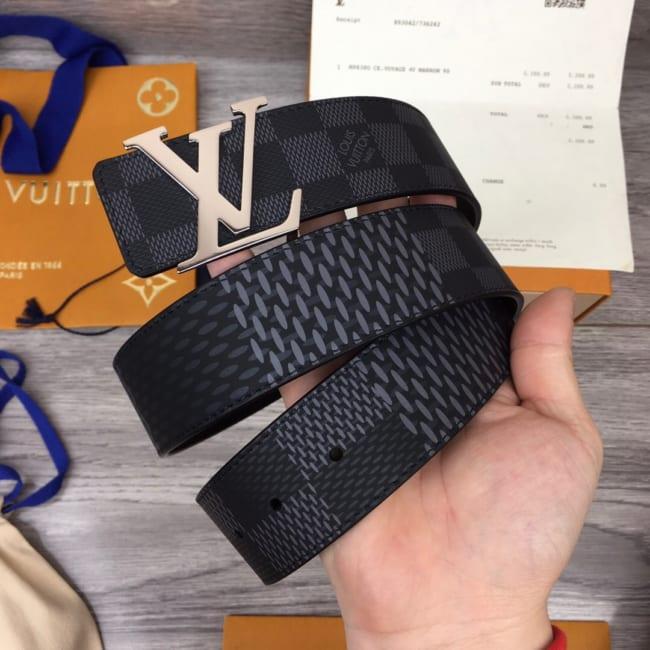 Thắt lưng nam Louis Vuitton like au hoạ tiết caro mới khoá logo bóng TLLV47