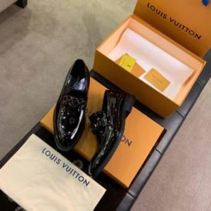 Giày lười Louis Vuitton siêu cấp da đen bóng