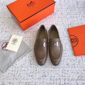 Giày lười Hermes siêu cấp mặt khóa logo màu xám