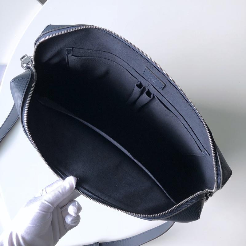 Túi xách nam Louis Vuitton họa tiết da epi màu xanh TXLV10