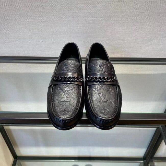 Giày lười Louis Vuitton like au đế cao hoạ tiết hoa chìm khoá xích GLLV90