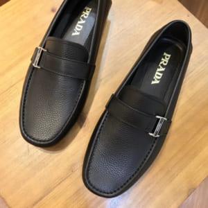 Giày lười Prada siêu cấp họa tiết da nhăn khóa lệch GLP42