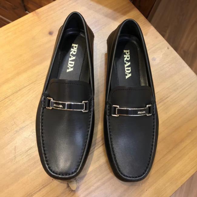 Giày lười Prada siêu cấp họa tiết da trơn khóa logo GNP41
