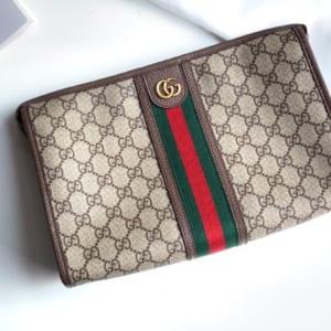 Ví nam Gucci siêu cấp cầm tay họa tiêt logo màu be viền kẻ đỏ VNG94
