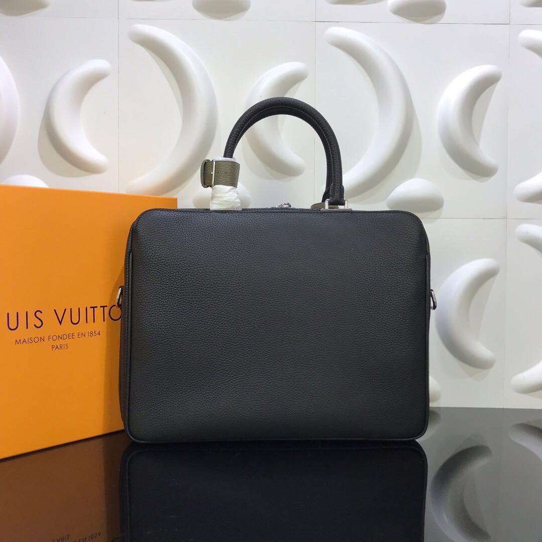 Túi xách nam Louis Vuitton họa tiết da nhăn màu đen VNLV21