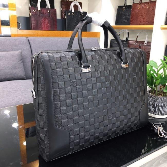 Túi xách nam Louis Vuitton họa tiết dập ô vuông TXLV13