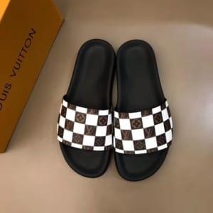 Dép Louis Vuitton siêu cấp nam đế đen quai trắng họa tiết caro DLV19