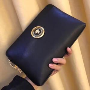 Ví nam Versace siêu cấp cầm tay họa tiết logo da đen trơn màu đen VNVS15