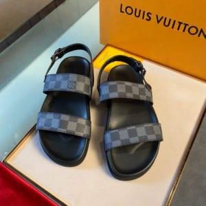Dép Louis Vuitton nam siêu cấp họa tiết caro ghi đen quai hậu DLV27