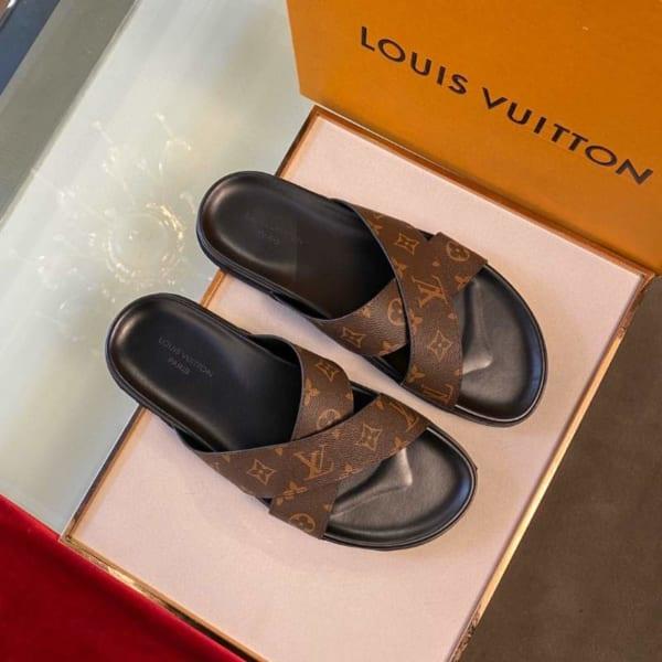 Dép Louis Vuitton nam siêu cấp họa tiết hoa nâu quai chéo DLV34