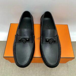 Giày lười Hermes like au họa tiết móc khóa full đen GLH38