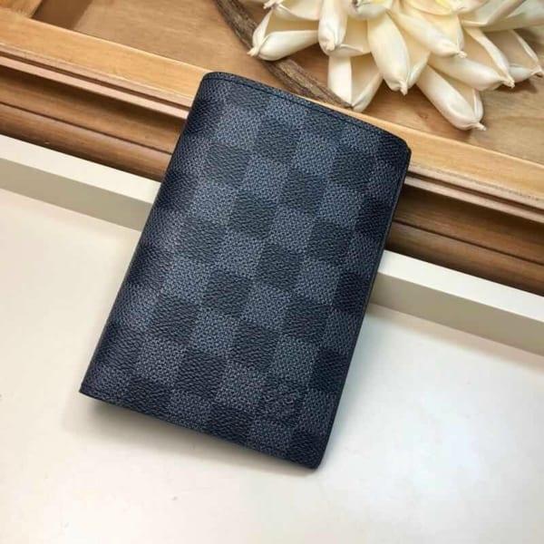 Ví đứng Louis Vuitton like auth họa tiết caro đen VDLV01