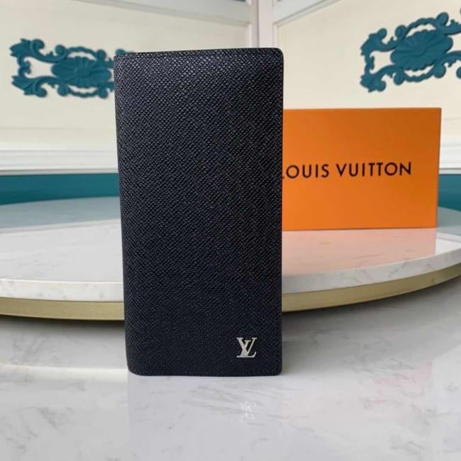Ví nam Louis Vuitton like au gấp taiga logo dập nổi VNLV79