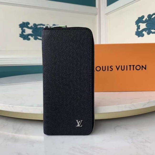 Ví nam Louis Vuitton like au khóa kéo taiga logo dập nổi VNLV77