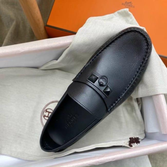 Giày lười Hermes like au họa tiết móc khóa full đen GLH42