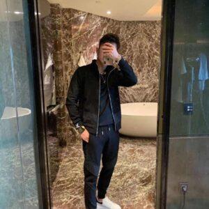 Bộ quần áo nỉ nam Louis Vuitton siêu cấp họa tiết hoa đen AOLV07