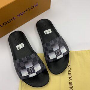 Dép Louis Vuitton siêu cấp nam quai ngang họa tiết caro đen trắng DLV36