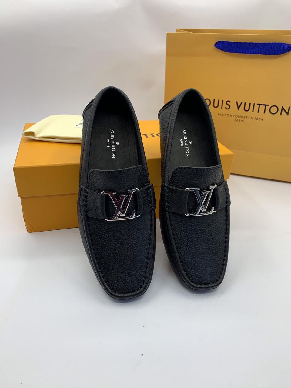 Giày lười Louis Vuitton siêu cấp họa tiết da nhăn mũi vuông màu đen GLLV124
