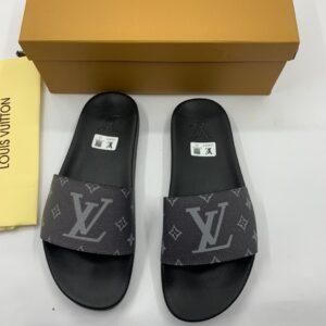 Dép Louis Vuitton nam siêu cấp quai ngang họa tiết logo DLV38