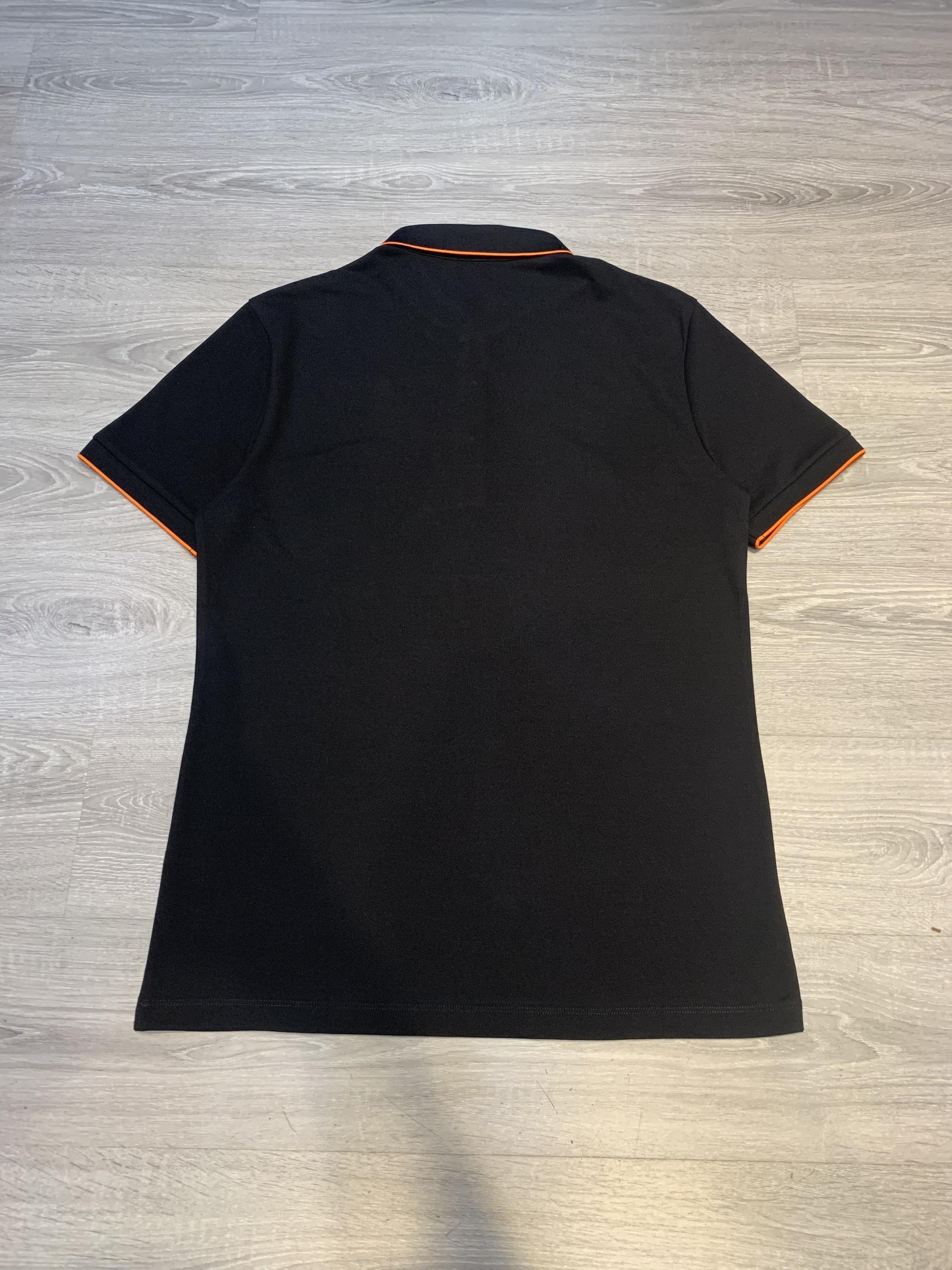 Áo phông Hermes siêu cấp màu đen hoạ tiết viền cam APH03