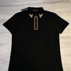 Áo phông Versace siêu cấp full đen họa tiết thêu chỉ vàng ở cổ APV04