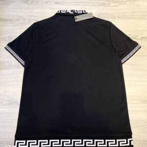 Áo phông Versac siêu cấp full đen phối họa tiết chữ trắng ở cổ và gấu áo APV02