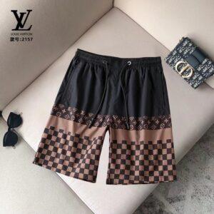 Quần short Louis Vuitton họa tiết caro màu đen nâu QSLV2157