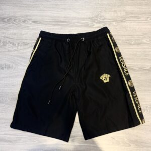 Quần short Versace siêu cấp full đen chữ viền 2 bên QSV2147