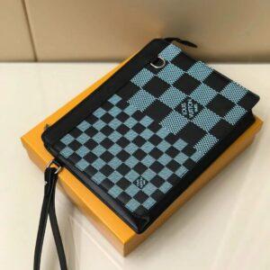 Ví nam Louis Vuitton like au cầm tay hoạ tiết caro màu xanh lam VNLV82