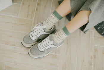 Hướng dẫn cách khắc phục giày bị rộng đơn giản nhất