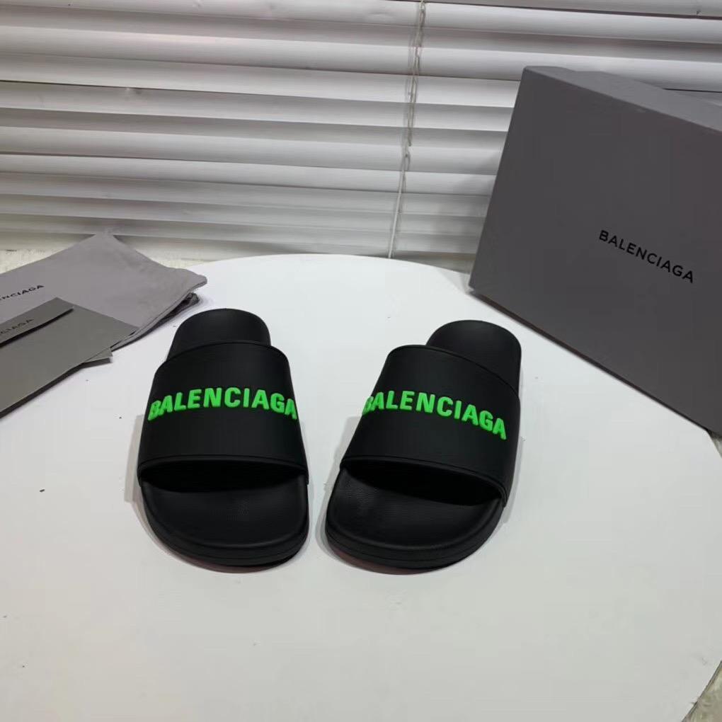 Dép Balenciaga nam siêu cấp màu đen chữ xanh DBL02