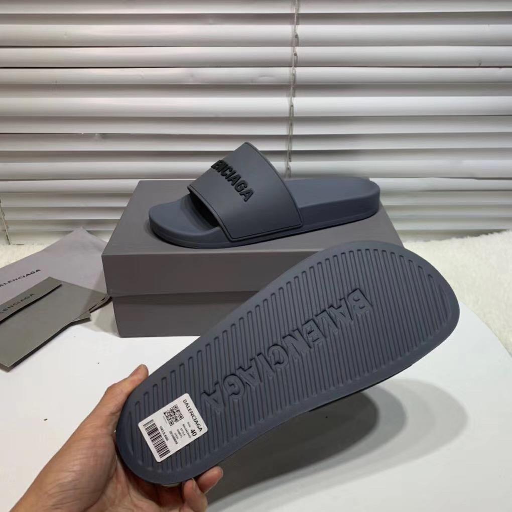 Dép Balenciaga siêu cấp nam màu xám chữ đen DBL03